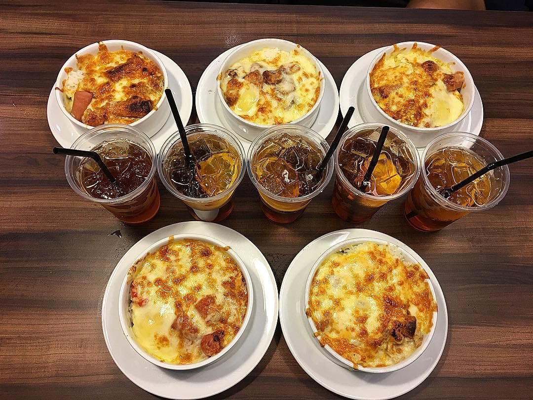 How can you have the best food in Singapore?